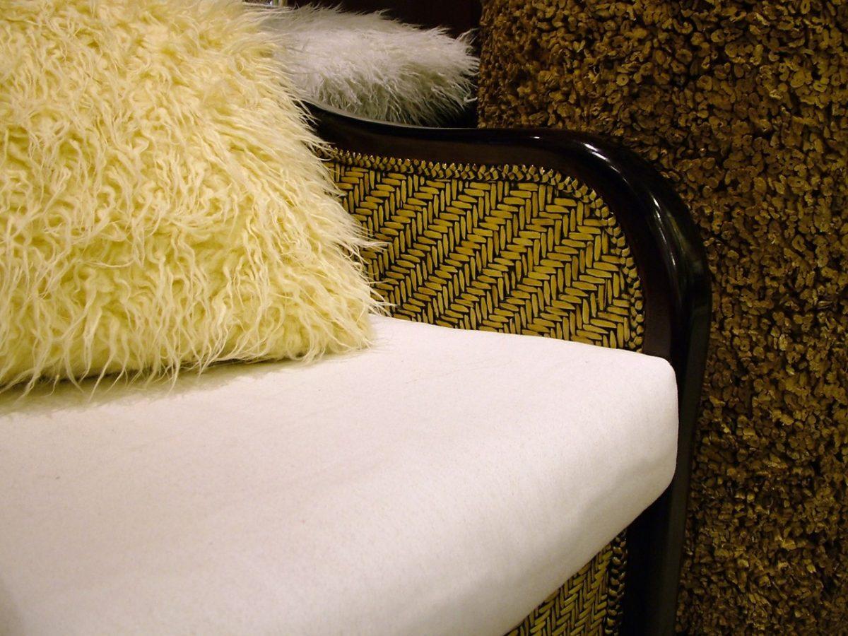 Poduszki – niewinny dodatek zmieniający wnętrza